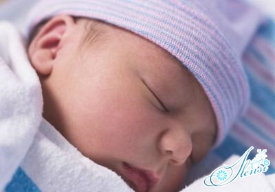 белые прыщики на лице у новорожденного