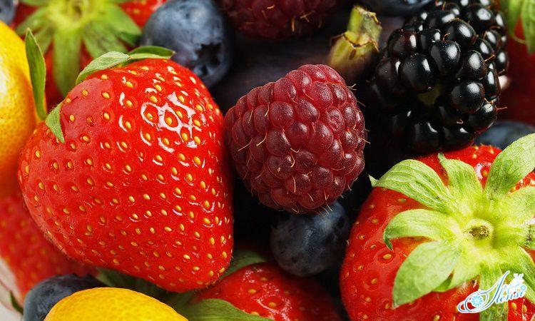 Свежие ягоды.