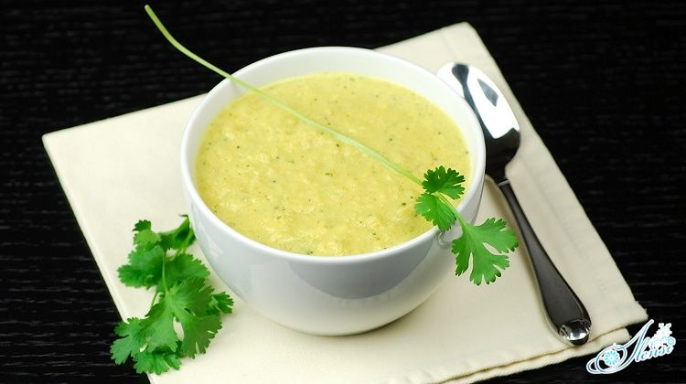 Овощной суп с цветной капустой с добавлением сыра