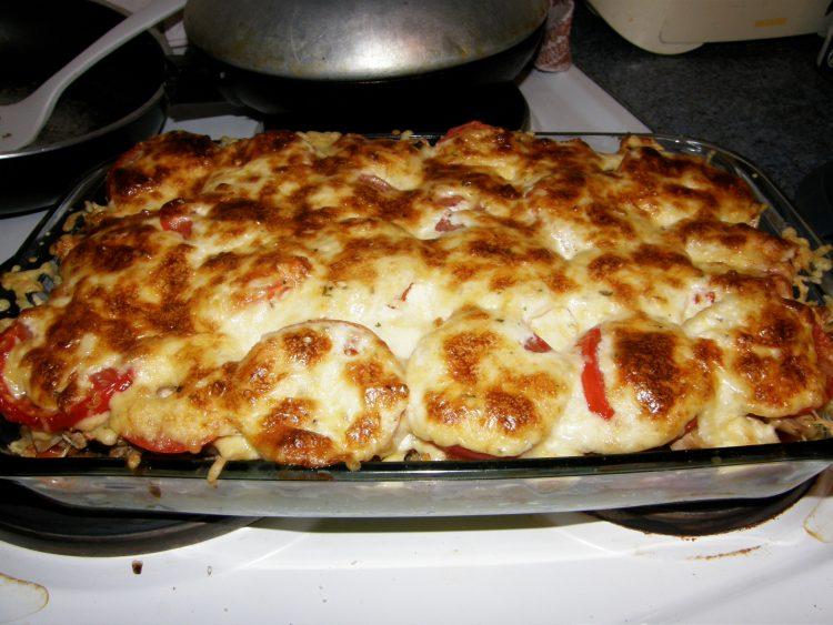 картофельная запеканка С овощами и фаршем в духовке