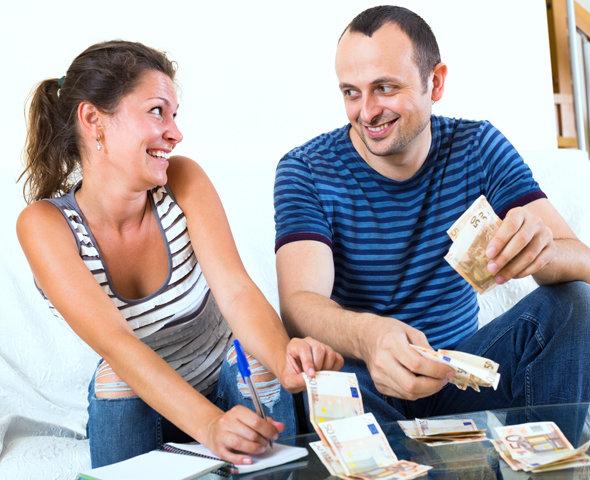 Муж с женой считают зарплату