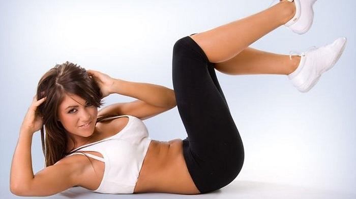 Упражнения помогут достичь стройных бедер