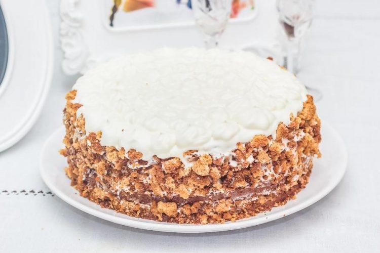 Готовый медовый торт