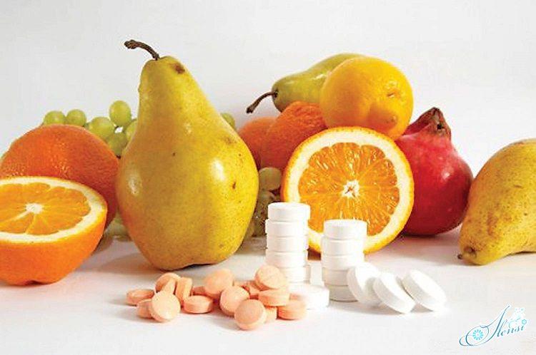 Разные фрукты и витамины