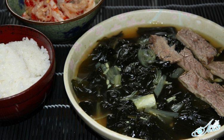 Суп с морской капустой с рыбой