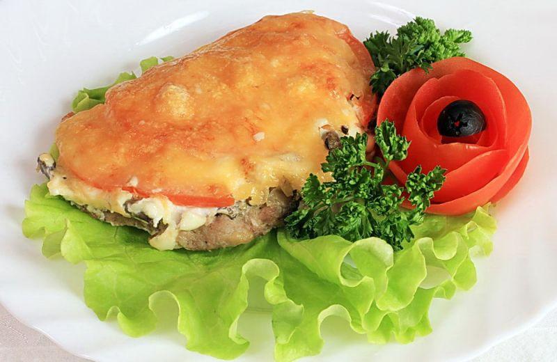 сочное мясо с помидорами