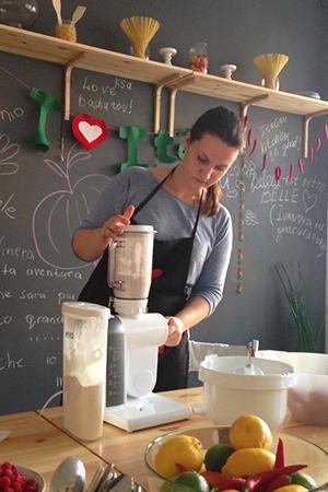 Марина Луста готовит вкусно и экономно у себя на кухне
