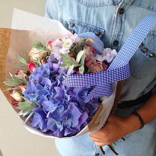 Букет от Натальи Родиковой в фиолетовых тонах