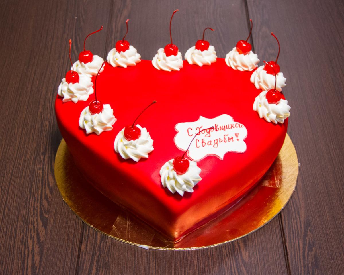 Какой торт заказать на годовщину свадьбы?